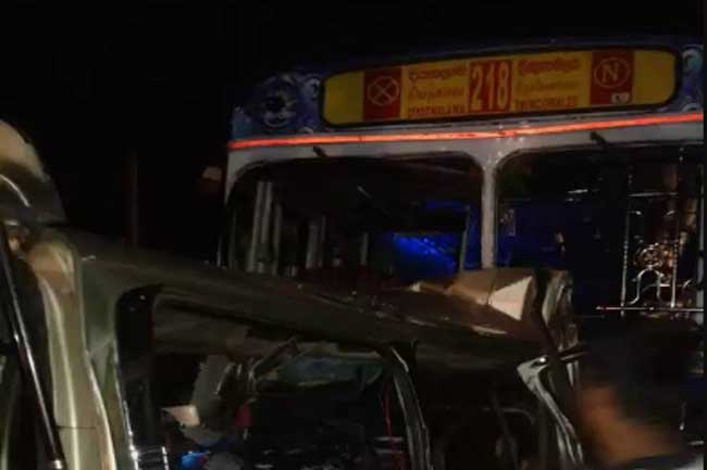 1555466917-accident-mahiyangana-2